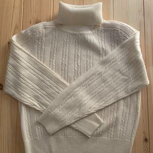 White Liz Claiborne Turtleneck Sweater